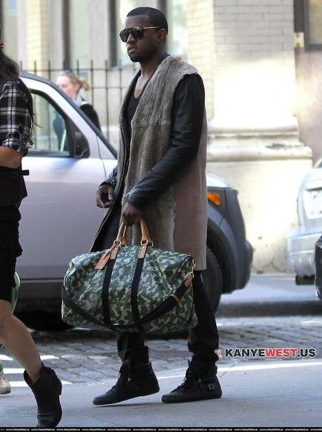 kanye-and-monogramouflage-louis-vuitton-bag