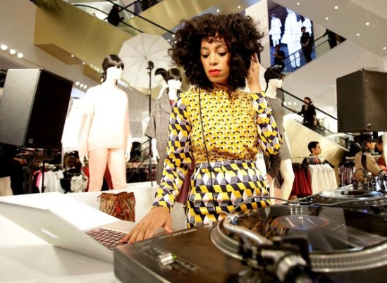 Solange+Knowles+Solange+Knowles+Spins+H+YbvS2zeF8cql